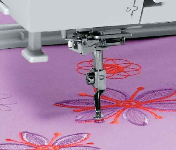 Elna-eXpressive-830-textiletorg7.jpg